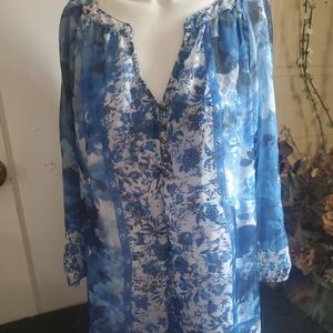 DRESS BARN WOMAN'S XL BLUE FLORAL EMBELLISHED TOP